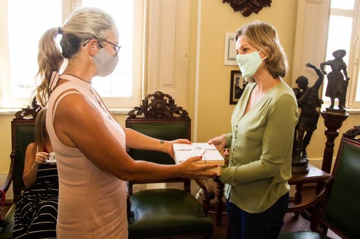 Prefeita se reúne com Associação Médica de Pelotas