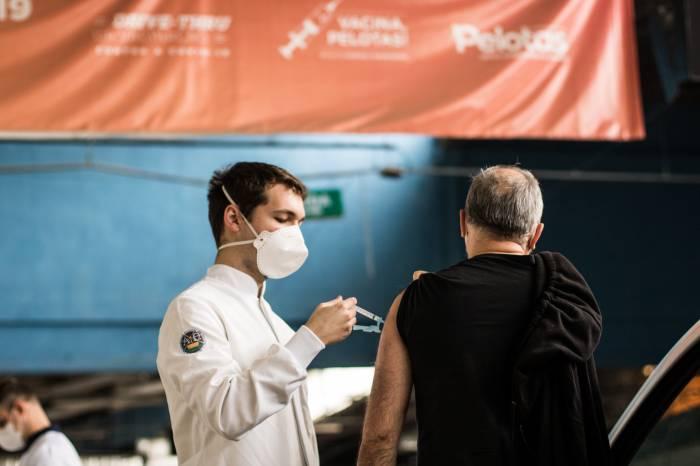 Prefeitura completa o esquema vacinal de mais 2.094 pessoas