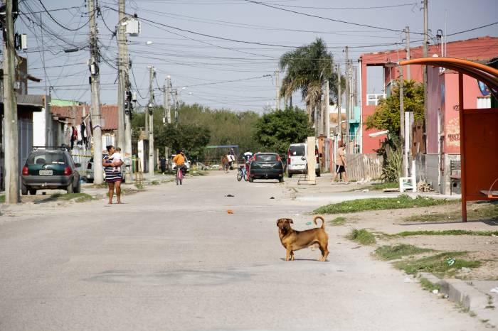 Pelotas tem pico de isolamento de 64%