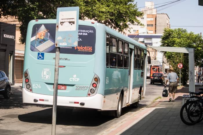 Ônibus circulam em horário reduzido no próximo domingo