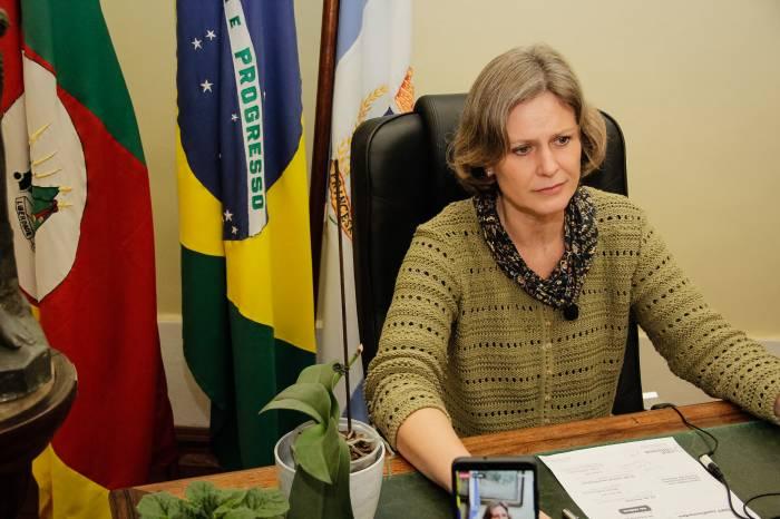 Prefeita anuncia dez novos leitos de UTI - Covid