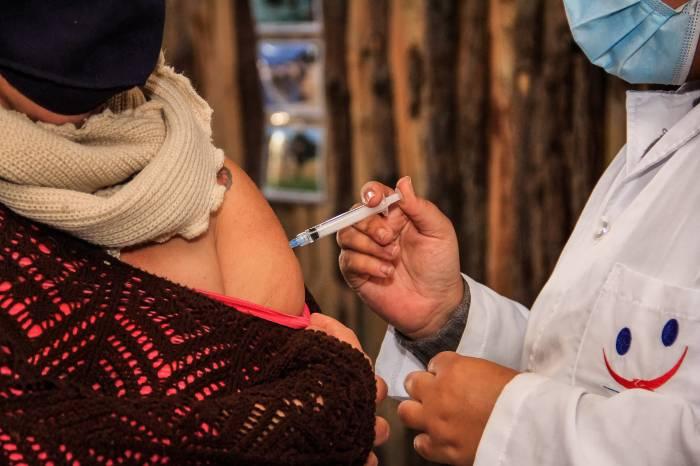 Prefeitura amplia imunização para pessoas com até 46 anos