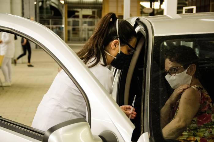 Município amplia imunização para idosos de 73 a 70 anos